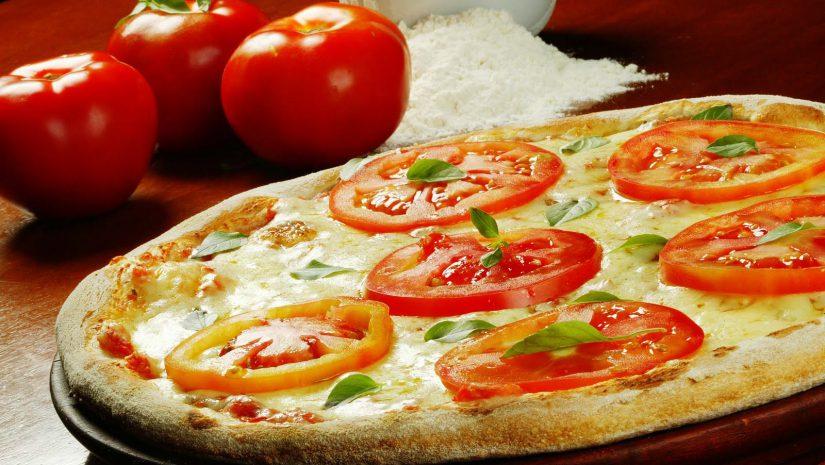 Receitas de hambúrguer, lasanha e pizza para quem está de dieta