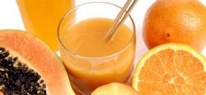 suco-de-laranja-com-mamc3a3o